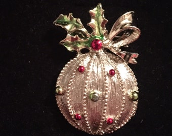 Gerrys Ornament Brooch / Pin