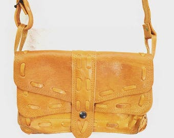 Vintage leather Purse with adjustable strap and multiple pockets