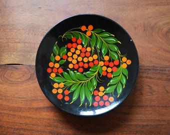 Vintage Ukrainian wall plate, Boho Wall Art,Petrykivka paper mache folk art hand-painted with black with red and orange berries