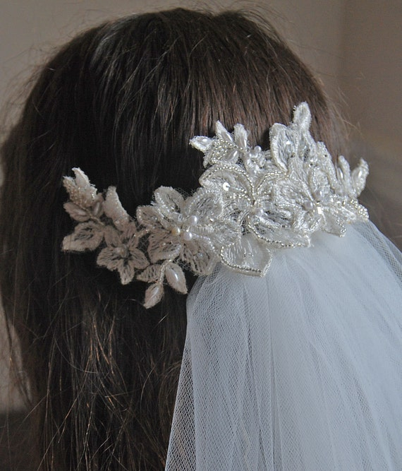 Ivory beaded embroidered lace bridal hair comb;bridal lace hair comb;ivory hair comb