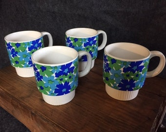Vintage stackable floral coffee cups