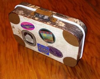 Altered Altoid Tin Suitcase