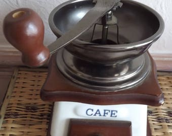 Cafe coffee grinder blue and white gwo wooden base