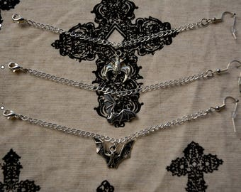 Bats nose to ear/ nose to lip chain