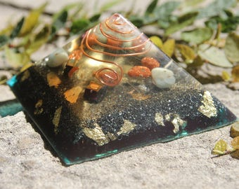 Orgonite pyramid with gold sunstone and amazonite