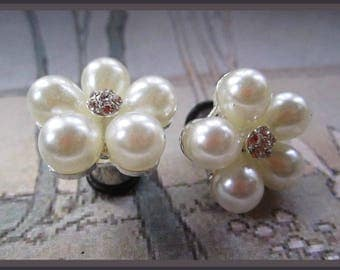 Posy Pearls on stainless steel Wedding EAR TUNNELS Pearly plugs gauge 4g, 2g, 0g , 00g aka 5mm, 6mm, 8mm, 10mm