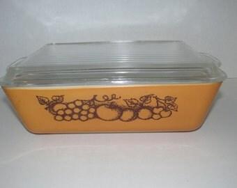 Vintage Brown Fruit Pyrex Casserole Dish with Lid 1 1/2 Quart