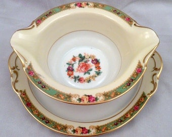 "KPM Porcelain ""The Rosedale"" Pattern #27469 Gravy Boat with Underplate"