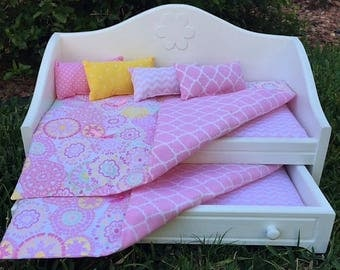 """Trundle Bed and Bedding for 18"""" Doll"""