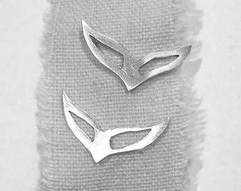 Silver bird earbuds