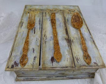 Small Shabby Chic Wooden Serving Tray With Handles