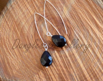 Elegant drop earrings with silver and agate teardrops