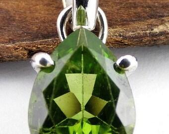 PENDANT PERIDOT FACET, natural stone, gemstone, jewelry peridot, gh30