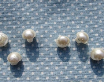 Ivory Half Pearl Buttons