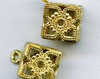 Brass filigree cube pendant, 8mm pkg of 2. b18-0208(e)