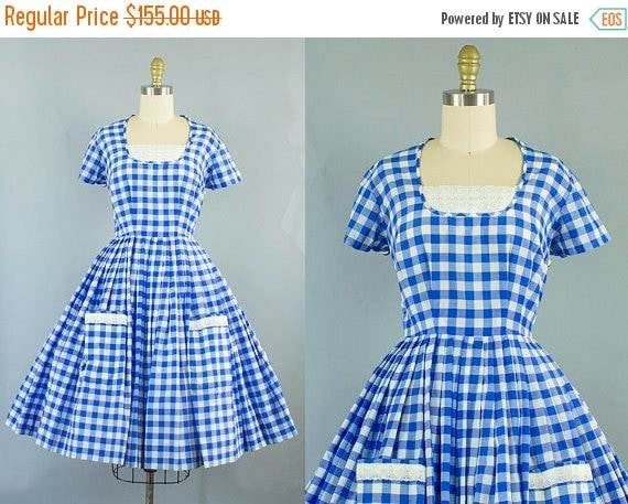 SALE 15% STOREWIDE 1950s blue gingham dress/ 50s check cotton dress with pockets/ small