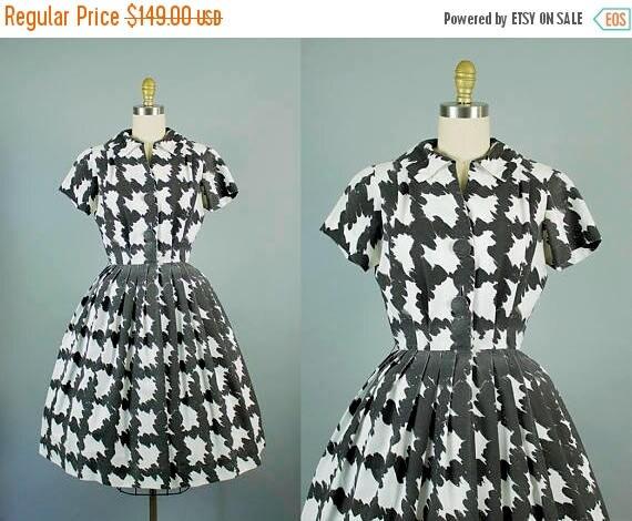 SALE 15% STOREWIDE 1950s black and white pattern dress/ 50s novelty cotton shirtwaist dress/ medium