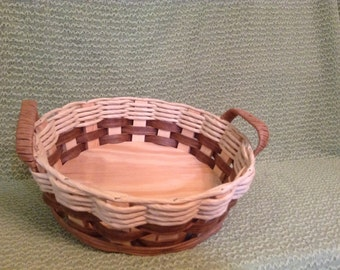 Hand Woven Basket - Hand Woven 2qt Round Casserole/Hot Dish Basket