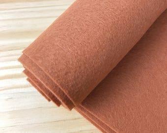 Cinnamon Woolfelt,  Wool, crafts