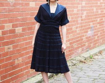 Vintage 1940s Navy Sailor Dress / Ballerina Navy Dress / Sailor Collar / Ribbon Detail / Short Sleeves / Full Skirt / M/L