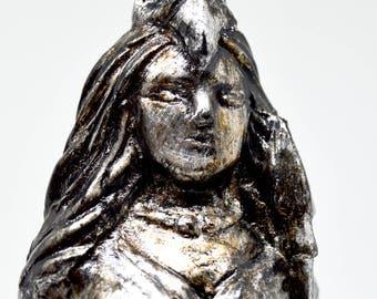 Morrígan - Handmade gilded sculpture - Steel finish