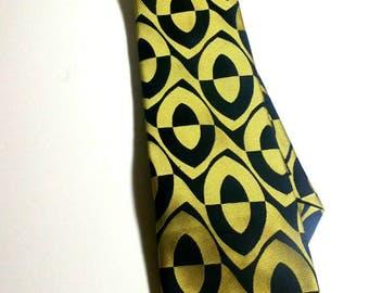 1960's Mod necktie patterned polyester vintage necktie