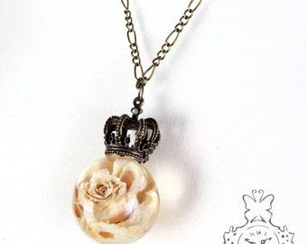 Rose large cream chain