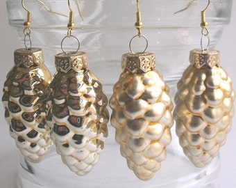 Christmas earrings, large golden FIR cones, glass Christmas ornaments, shiny, 6 x 2,5 cm, forest, boho matt, also as clip-on earrings