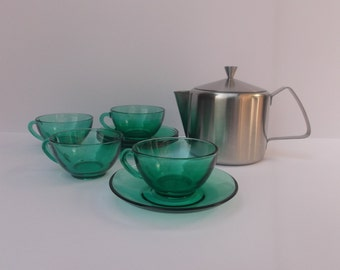 Tea Set for Four: Tudor Knight Stainless Steel Tea Pot, with 4 French Glass Arcoroc cups and saucers in Green.