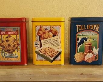 Set of 5 Classic Vintage Toll House Cookies Tins / Vintage Storage / Kitchen nostalgia - Shipping is free!!