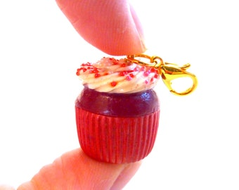 Red Velvet Cupcake Charm, Red Velvet Cake Charm, Polymer Clay Cupcake Charm Necklace, Cupcake Jewelry, Cupcake Necklace, Cake Necklace