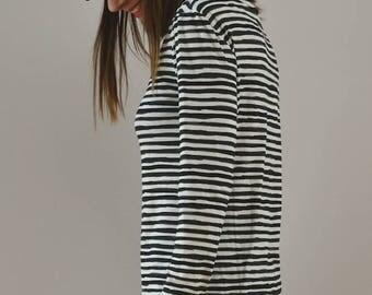 Sweater blue stripe pattern.