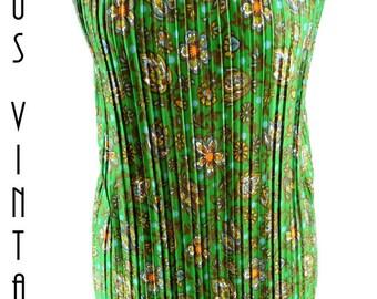 """Plus Size UK 16 1960s Vintage Green Floral Accordion Pleat Shift Dress  Mad Men  EU 44 US 12 Bust 42"""" 107cm"""