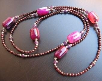 Purple Agate, amethyst and Garnet necklace with Indians. handmade. By me;)