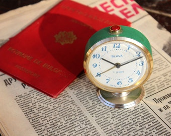 Green Vintage Alarm Clock - Working Retro Clock - Old Soviet Clock - Slava Mechanical Clock - Win Up Alarm Clock - Desk Clock - Table Clock