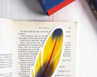 Feather shaped bookmark