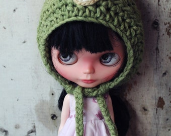 Blythe Crochet Pixie Hat. Green with Bear