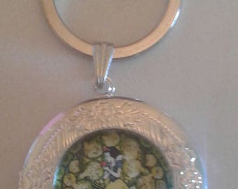 Snow white key chain locket
