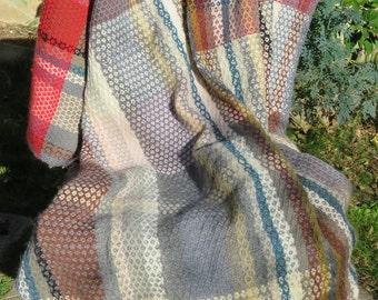 Hand-woven, multicolored Plaid (1)