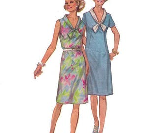SALE Simplicity 9330, 70s Sewing Pattern, Size 12, Bust 34, Waist 25 Half Retro Sleeveless Dress with V Neck