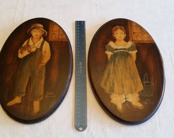 """2 vintage 12"""" oval wooden hand painted signed pictures by linda howard - wood artwork painting - wall hanging folk art photos - primitive"""