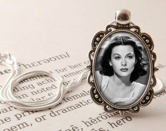 Hedy Lamarr Pendant Necklace - Hedy Lamarr Jewelry, Inventor Necklace, Vintage Actress Gift, Scientist Pendant, Hedy Lamarr Jewellery
