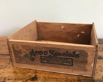 Vintage Arco Specials cigar box