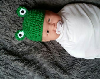 Crochet frog hat, photography prop, green and white, crochet hat