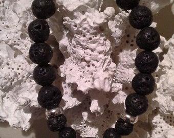 109) Bracelet aromathérapie pour enfant pour petits poignets en pierre de lava et agrémenté du signe de Batman
