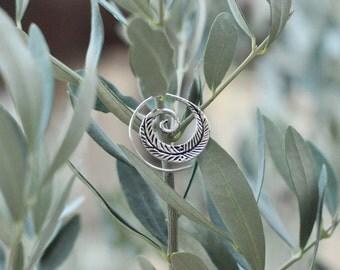 white brass earrings metal blanc boucles d'oreille en feuille feather