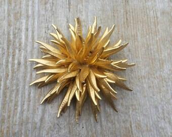 Gold Tone Spiky Brooch