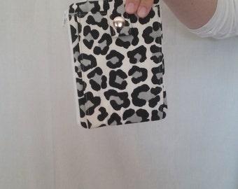 Cheetah Print Wrist-Let