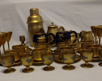 Gold Japanese laquer drink ware