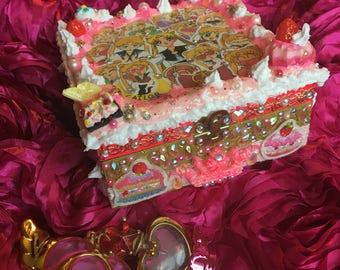 Sailor Moon Decoden Sweets Box